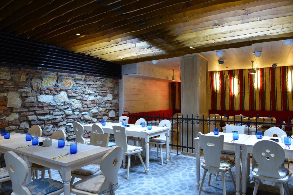 """Restaurantul """"Gaura Dulce"""""""